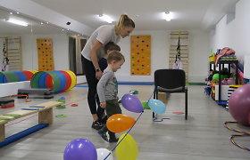 """Raidos sutrikimų turinčius vaikus sportuoti ir plaukti mokantys treneriai: """"Autizmas sportui – ne kliūtis"""""""