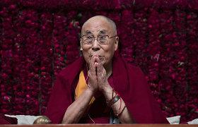 JAV leido skelbti sankcijas Kinijos pareigūnams dėl kišimosi į Dalai Lamos parinkimą