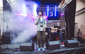 Vaidas Baumila prisijungė prie Kauno gimtadienio fiestos: surengė akustinį koncertą