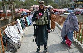 Į Kabulą pabėgę afganistaniečiai grįžta į savo namus šalies šiaurėje