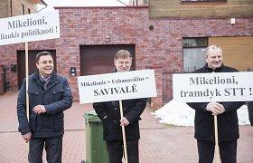Buvę Seimo nariai K.Komskis ir V.Vasiliauskas teisme aiškinosi dėl piketo prie prokuroro namų