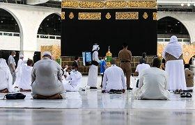 Saudo Arabija leis 60 tūkst. vakcinuotų gyventojų atlikti hadžą