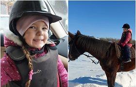 """Talentingi vaikai. Sunkų autizmą turinčią Andrėją """"pažadino"""" žirgai: per keturis mėnesius pasikeitė neatpažįstamai"""