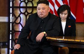 """""""NY Times"""": Kim Jong Unas įtartinai sulieknėjo: kas jam nutiko?"""