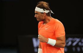 """Kol varžovai vargsta, R.Nadalis """"Australian Open"""" toliau nepralaimi nė seto"""