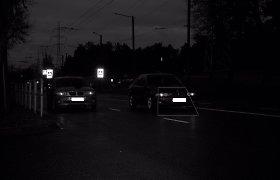 Kaune du BMW vairuotojai oficialiai pasitikrino, kuris greitesnis: fiksuoti 114 km/val. ir 121 km/val. greičiai