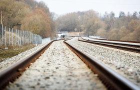 """""""LTG Infra"""" laikinai stabdo geležinkelio Plungė–Šateikiai statybas"""