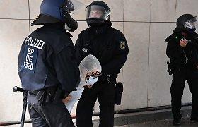 """Sužlugdyta ataka Vokietijos sinagogoje galėjo būti paskatinta """"islamistinių motyvų"""""""