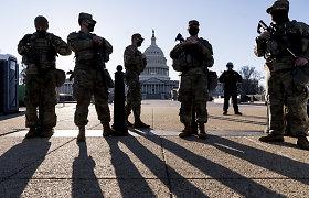 """JAV Atstovų Rūmai dėl """"įsiveržimo"""" į Kapitolijų grėsmės atšaukė ketvirtadienio posėdį"""