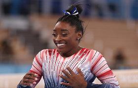 Į varžybas sugrįžusi Simone Biles pasipuošė olimpiniu medaliu