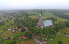 Tarsi ne Lietuvoje: Zarasų krašto architektūros perlas – Salako bažnyčia