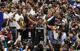 Antgamtiška: 50 taškų suvertęs G.Antetekounmpo atnešė NBA čempionų titulą Milvokiui