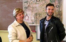 Staigmena mokytojai: dainininkas Vaidas Baumila lanko savo auklėtoją Astą
