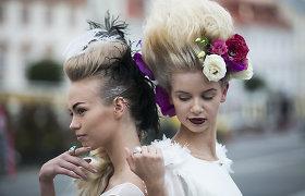 """Iš Milano atvykęs plaukų stilistas Andrius Jurkevičius surengė šou """"Flowers & Wings Haute Couture"""""""