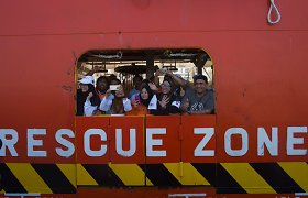 Malaizijoje iš apvirtusio laivo išgelbėti du kinų jūreiviai
