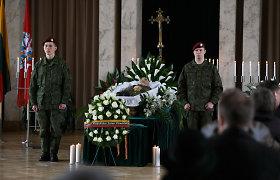 Kaune draugai ir artimieji atsisveikina su signataru Algirdu Vaclovu Patacku