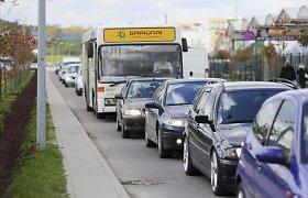 Vilniuje susidūrė trys automobiliai – vairuotojai nesutaria dėl kaltės