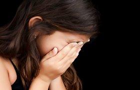 Baisogalos gimnazijoje paauglė sumušė tris mažametes: smurtautoja ieškoma
