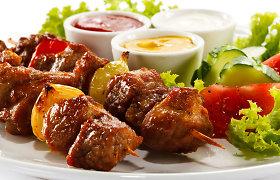 Specialistai įvertino Lietuvos gyventojų mitybos įpročius: valgoma per daug mėsos
