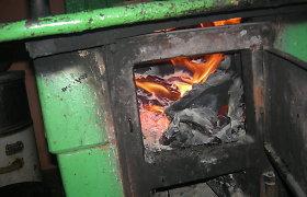 Draudžiamas atliekas deginęs Šilutės r. gyventojas per klaidą pranešė tai pareigūnams