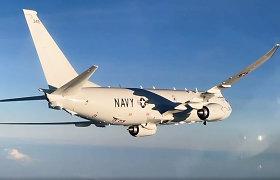 Rusija skelbia Juodojoje jūroje perėmusi amerikiečių lėktuvą