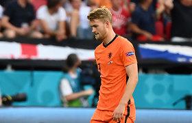 """Nyderlandų žvaigždė plaka save po iškritimo iš """"Euro 2020"""": """"Aš už tai atsakingas"""""""