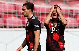 """""""Bayern"""" krito net ir su sugrįžusiu lyderiu, """"Borussia"""" spraudžiasi į ketvertą"""