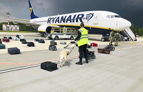 """Su nutupdyto """"Ryanair"""" lėktuvo pilotu bendravęs dispečeris nebesirodo darbe"""