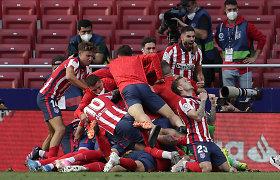 """Slystant titului rungtynėse """"Atletico"""" išgelbėjo L.Suarezas, """"Barcelona"""" lieka be aukso"""