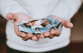Algoms Lietuvoje sparčiai augant įmokos į trečios pakopos pensijų fondus sumažėjo