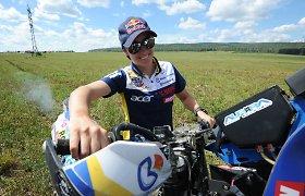 Rusijos atstovė dopingo šešėliu temdo Dakarą: suspenduota motociklininkė startavo
