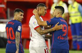 """Ispanijoje įtampa kaista: lyderiai """"Atletico"""" patyrė pralaimėjimą Sevilijoje"""