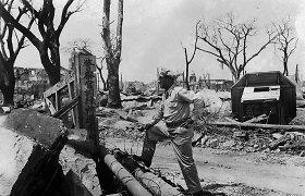 Melas apie radiaciją: JAV žurnalistas, atskleidęs tiesą apie Hirošimos subombardavimą