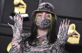 Billie Eilish – kokios nematė niekas: įsiamžino fotosesijoje su apatiniais, parodė tatuiruotę