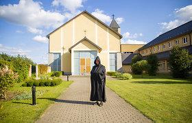 Toks vienuolynas – vienintelis Lietuvoje: vidury niekur gyvena amerikiečiai, prancūzai, kazachas ir lietuviai