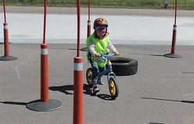 Jauniesiems panevėžiečiams – saugaus elgesio vairuojant dviratį pamokos