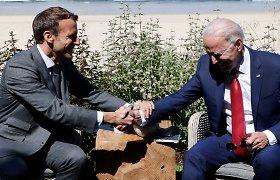 Žiniasklaida: D.Trumpas nepatenkintas, kad E.Macronas ir J.Bidenas rado sutarimą