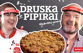 Be kiaušinių ir grietinės, su avižiniais dribsniais: traškus obuolių pyragas namuose – už vos 2 eurus