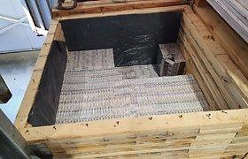 Baltarusiškos medienos krovinyje – kone 2 mln. eurų vertės rūkalų kontrabanda