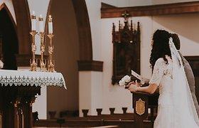 Bažnytinės santuokos anuliavimas patuštins piniginę: nustatyta suma išsiskirti panorusiai moteriai sukėlė nuostabą