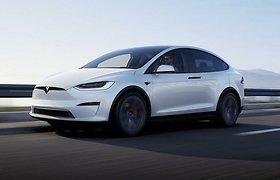 """Atnaujinti """"Model S"""" ir """"Model X"""" nebeturi senamadiško akumuliatoriaus: kam jo reikėjo iki šiol?"""