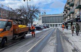 """Grindos"" iniciatyva: Vilniaus gatves barstys ne druska, o kavos tirščiais"