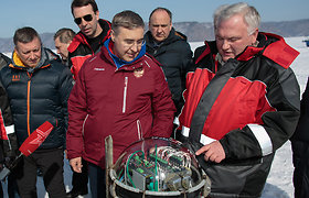 Mokslininkai į Baikalo gelmę panardino vieną didžiausių teleskopų