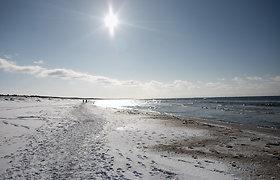 Akinanti saulė ir sniegas Lietuvos pajūryje