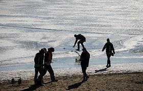 Ugniagesių pratybos ant Kauno marių ledo