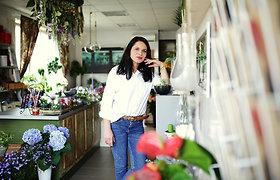 """Floristikos saloną """"Gėlė ir vėjas"""" Urtė įkūrė Kelmėje"""