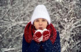 Balta, geltona ar raudona: kokios spalvos rūbai geriausiai apsaugo tamsoje