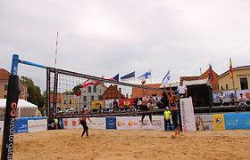 Klaipėdos širdyje karaliauja moterys: į turnyrą atvyko stipriausios tinklininkės