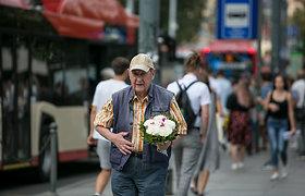Po 200 eurų visiems pensininkams: ar tai paskatins vartojimą šalyje?