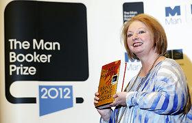 """Į """"Booker"""" premiją trečią kartą taikosi Hilary Mantel: paskelbtas ilgasis premijos knygų sąrašas"""